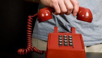 telefonul-rosu