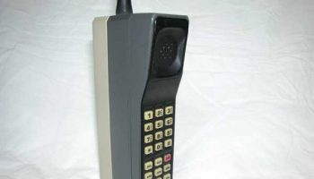 Telefon-Motorola-DynaTAC-8000x-2