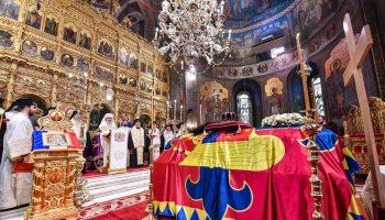 Părintele-Patriarh-Daniel-a-oficiat-slujba-de-înmormântare-a-Regelui-Mihai-I-al-României-14