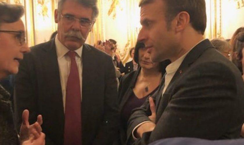 Macron212412