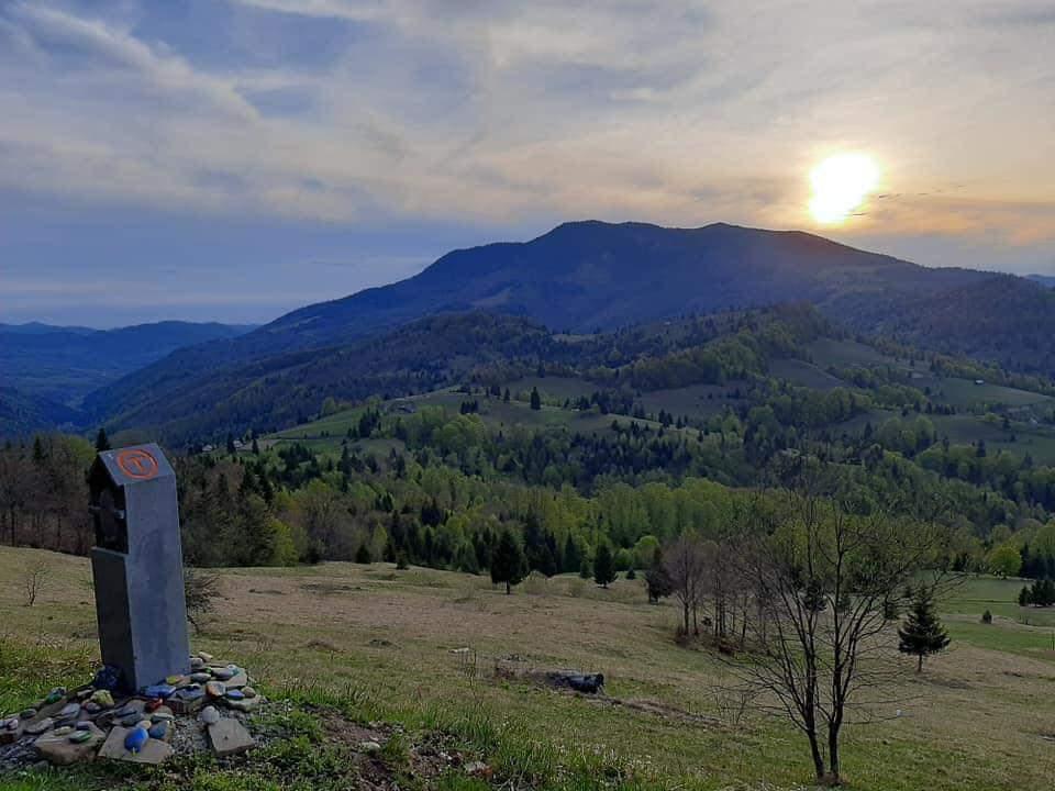 Pana cand vor fi puse toate bornele pe Via Transilvanica ...  |Via Transilvanica